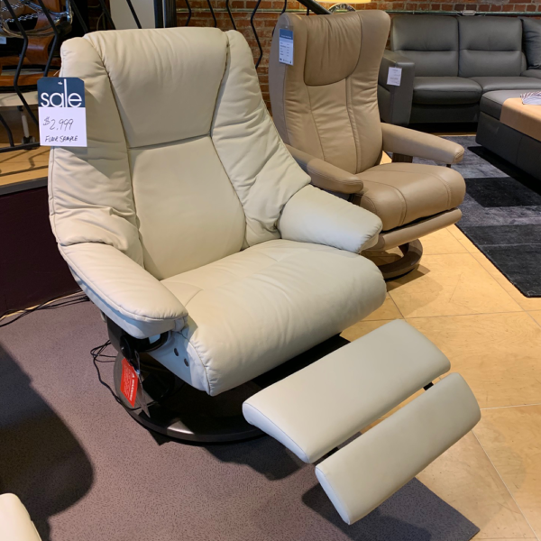 Ekornes Live Power Recliner