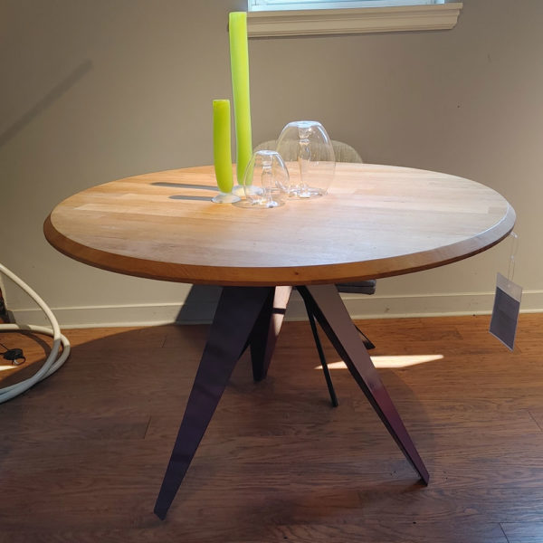 metal base table